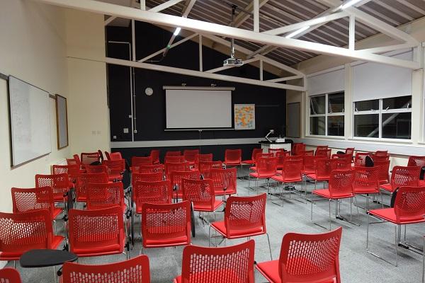 レクチャー 教室