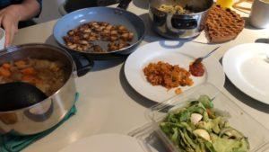 日本、韓国、ペルーの料理