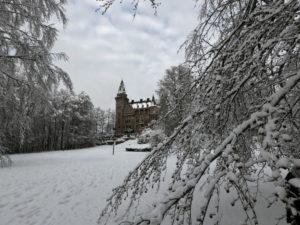 キャンパス内の城